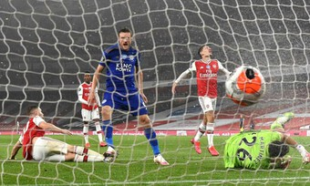 Kết quả Premier League: Arsenal 1-1 Leicester, Crystal Palace 2-3 Chelsea