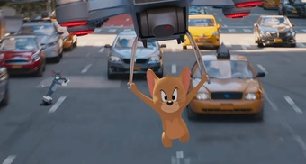 AirPods, smartphone xuất hiện trong trailer 'Tom & Jerry'